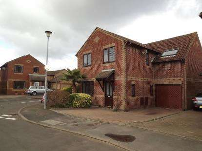 4 Bedrooms Detached House for sale in Portsmouth, Hampshire, England