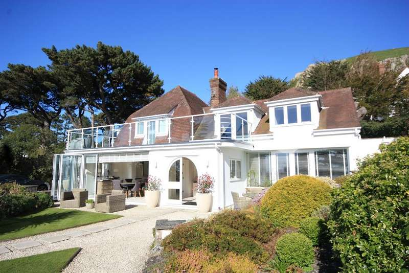 3 Bedrooms Detached House for sale in Gannock Park, Deganwy LL31
