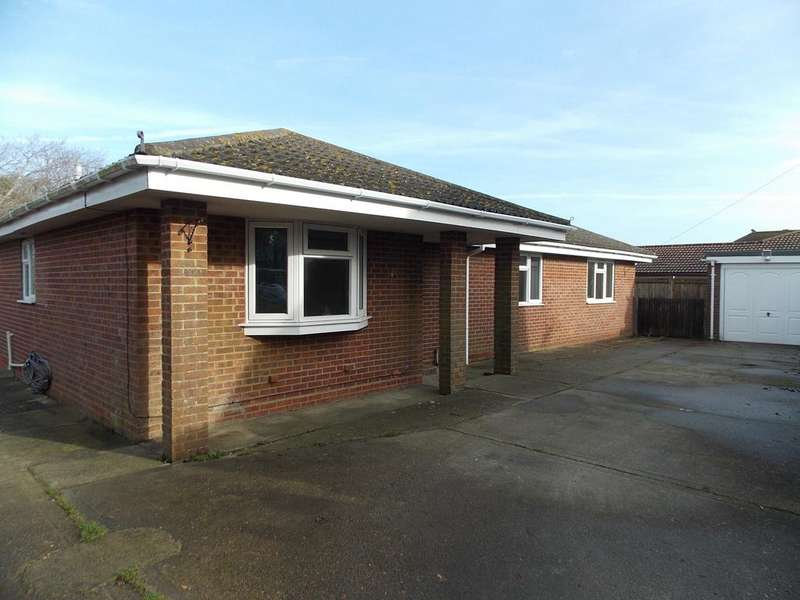 4 Bedrooms Detached Bungalow for sale in Johns Close, Peacehaven, East Sussex