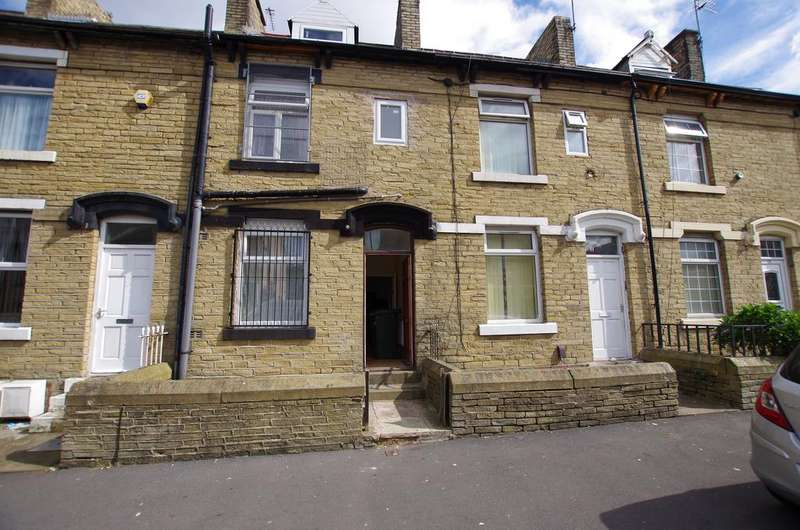 3 Bedrooms Terraced House for sale in GAYTHORNE ROAD, WEST BOWLING, BRADFORD, BD5 8AY