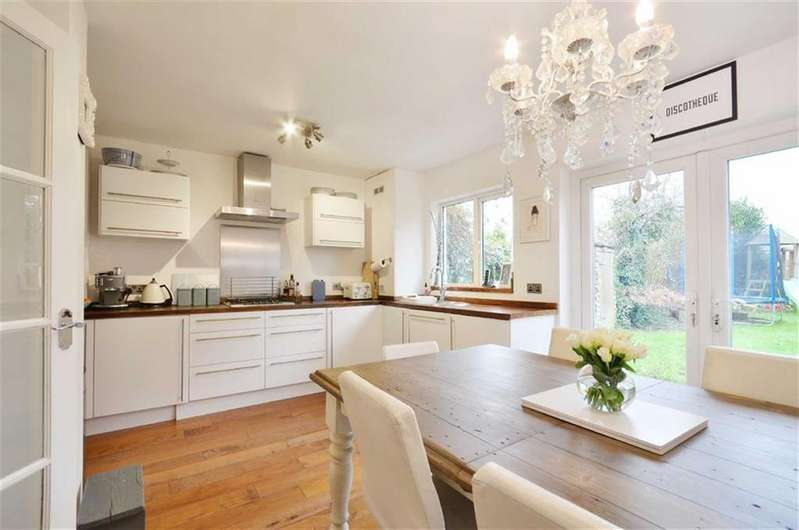 4 Bedrooms Terraced House for sale in Barton Way, Croxley Green, Hertfordshire