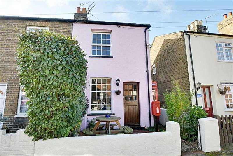 3 Bedrooms Semi Detached House for sale in Dimsdale Street, Hertford, Herts, SG14