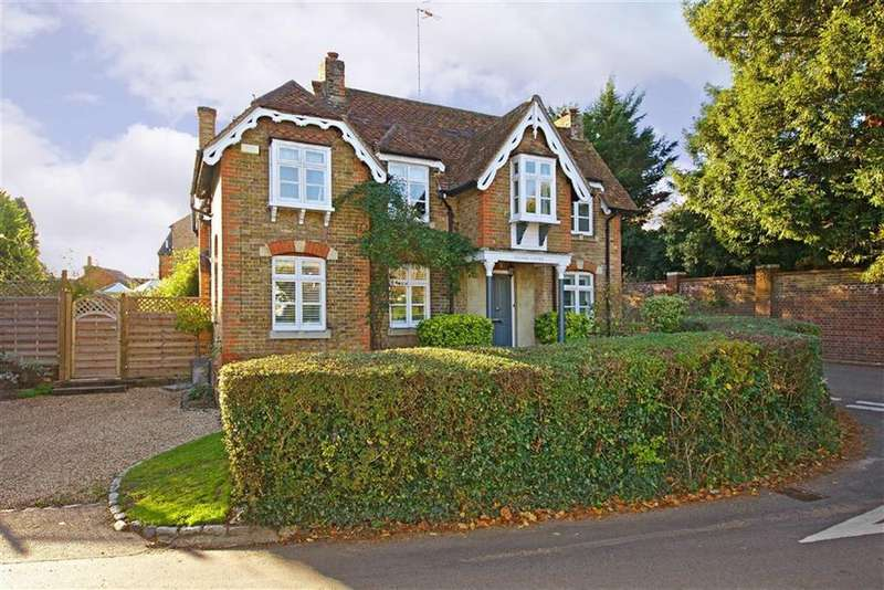 4 Bedrooms Detached House for sale in Back Lane, Letchmore Heath, Hertfordshire
