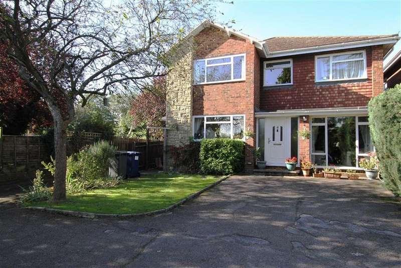 4 Bedrooms Detached House for sale in Barnet Road, Arkley, Herts, EN5