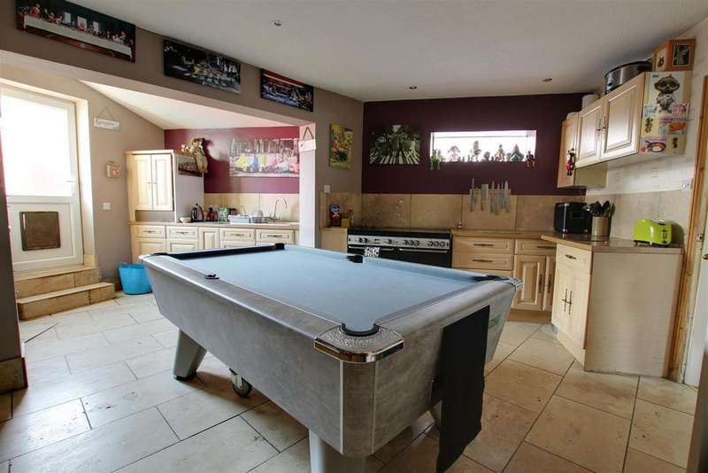 3 Bedrooms End Of Terrace House for sale in 65a South Street, Alford, Lincolnshire