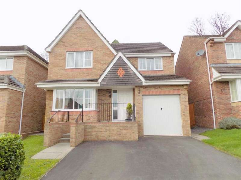 4 Bedrooms House for sale in Royston Court, Neath