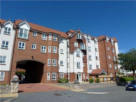 1 Bedroom Flat for sale in Apt 18 Adlington House, Rhos on Sea, LL28 4PU