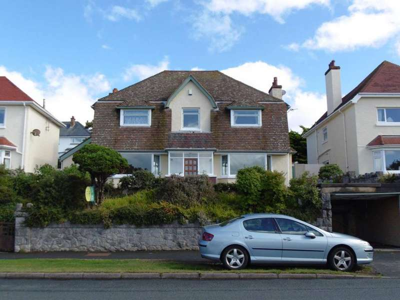 3 Bedrooms Detached House for sale in Maesdu Avenue, Llandudno, LL30 1NR