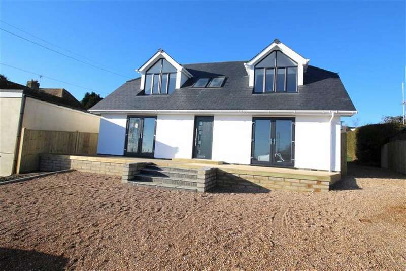 4 Bedrooms Detached House for sale in The Close, Fairlight