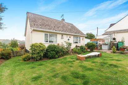 2 Bedrooms Bungalow for sale in Christow, Exeter, Devon