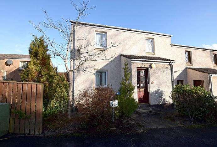2 Bedrooms Terraced House for sale in 12 Balnakiel Terrace, Galashiels, TD1 1RW