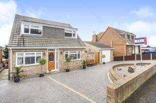 4 Bedrooms Detached House for sale in Queenborough Drive, Minster On Sea, Sheerness, Kent