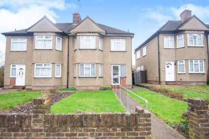3 Bedrooms Semi Detached House for sale in Osidge Lane, Southgate, London, .