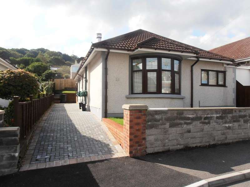 3 Bedrooms Detached Bungalow for sale in The Grove, Aberdare