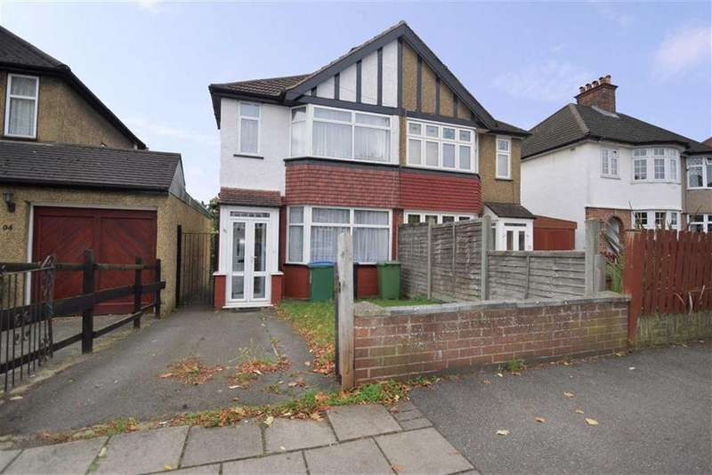 2 Bedrooms Semi Detached House for sale in Balmoral Road, Watford, Herts