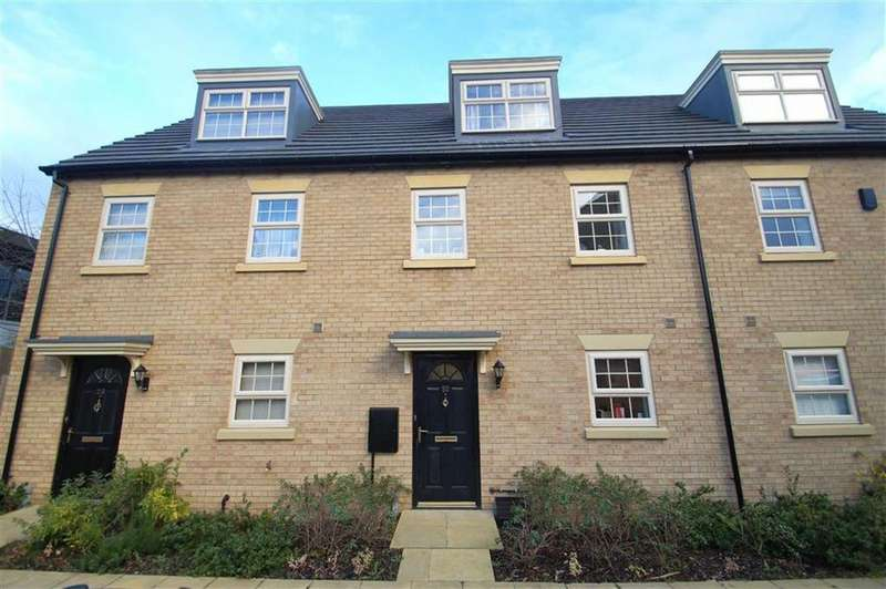 3 Bedrooms Town House for sale in Dealtry Close, Leeds