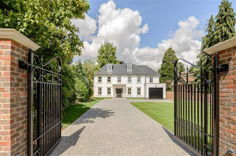 5 Bedrooms Detached House for sale in Oakleigh Park South, Whetstone, London