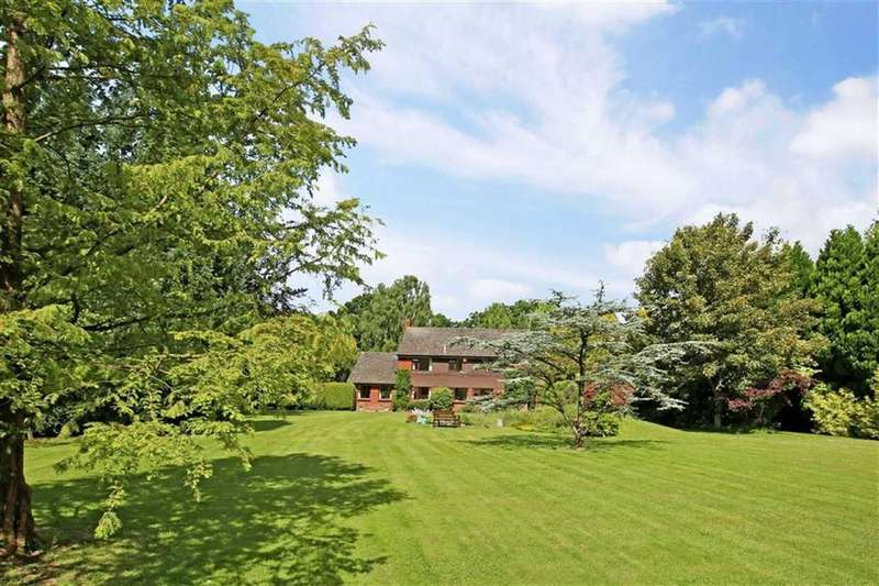 3 Bedrooms Detached House for sale in Ringwood Road, Wimborne, Dorset
