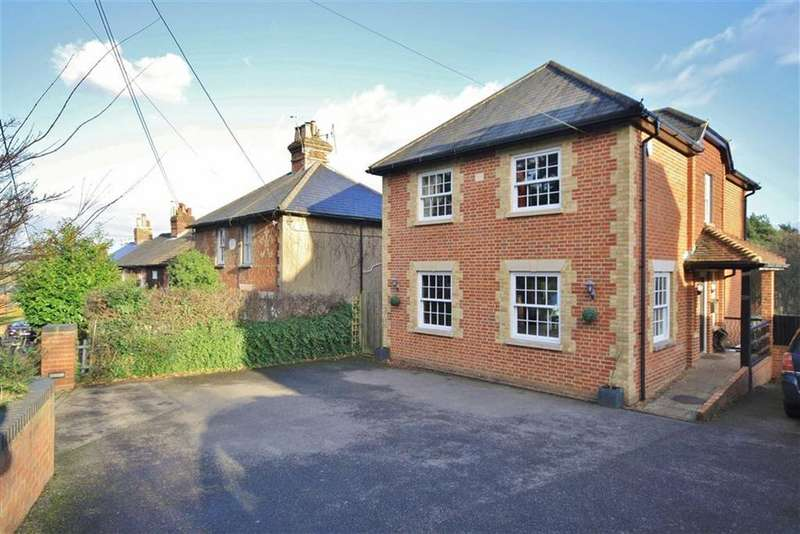 4 Bedrooms Detached House for sale in Wrotham Heath, Kent