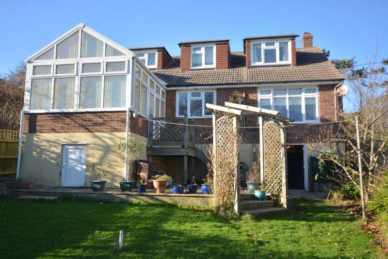 3 Bedrooms Detached House for sale in Shepherds Way Fairlight, Hastings