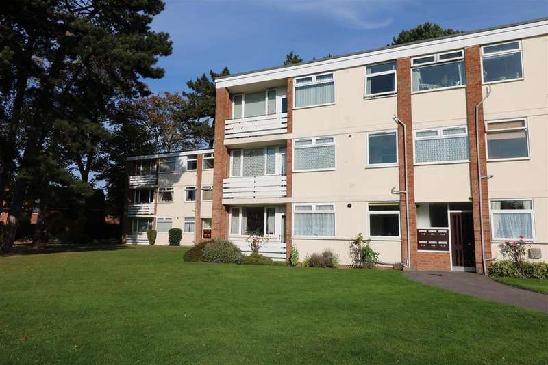 2 Bedrooms Apartment Flat for sale in All Saints Road, Warwick