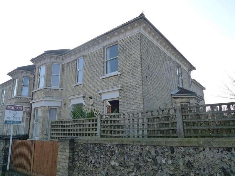 1 Bedroom Flat for sale in Upperton Road, Eastbourne, BN21