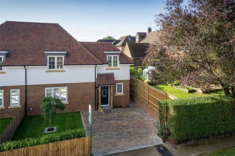 3 Bedrooms Semi Detached House for sale in 11 Crabtree Road, KNEBWORTH, Hertfordshire