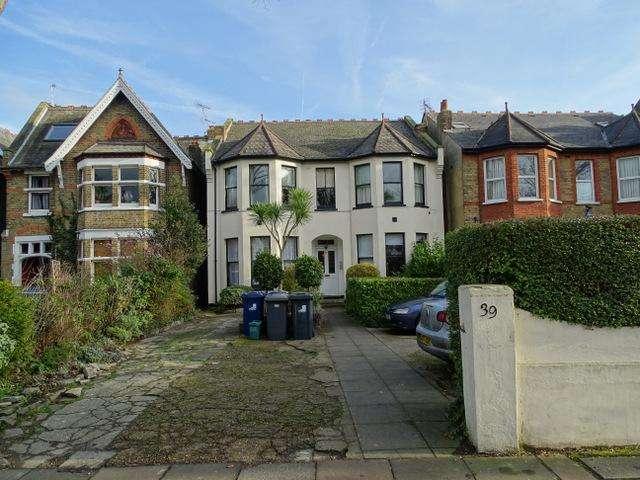 1 Bedroom Flat for sale in Inglis Road, Ealing