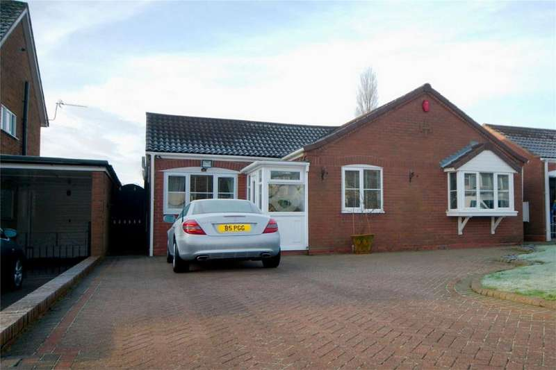 3 Bedrooms Detached Bungalow for sale in Grange Lane, Four Oaks, Sutton Coldfield, West Midlands