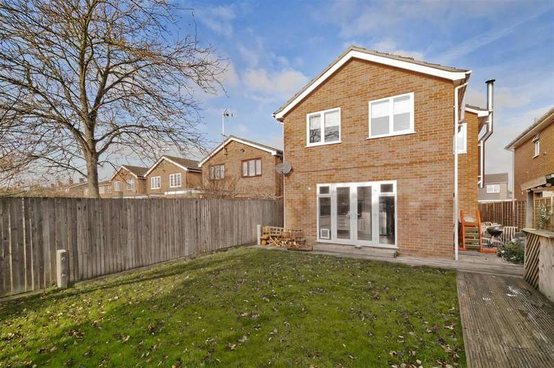 4 Bedrooms Detached House for sale in Crown Acres, East Peckham