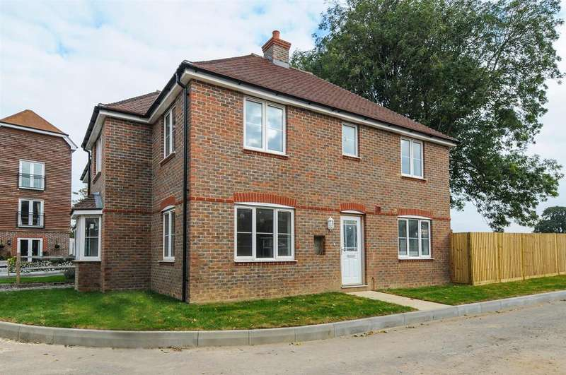 4 Bedrooms Detached House for sale in Pine Close, Westergate