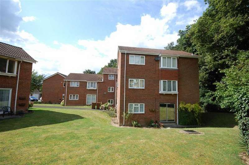 1 Bedroom Apartment Flat for sale in Bellingdon, Watford, Herts