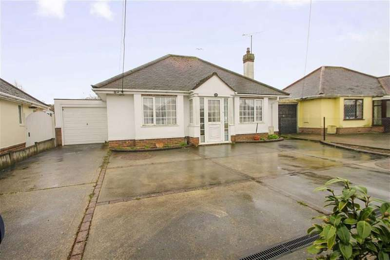 2 Bedrooms Detached Bungalow for sale in Frinton Road, Kirby Cross
