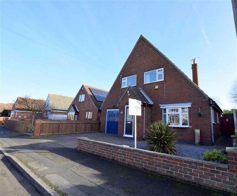 4 Bedrooms Detached House for sale in Forge Way, Holton Le Clay, Lincolnshire