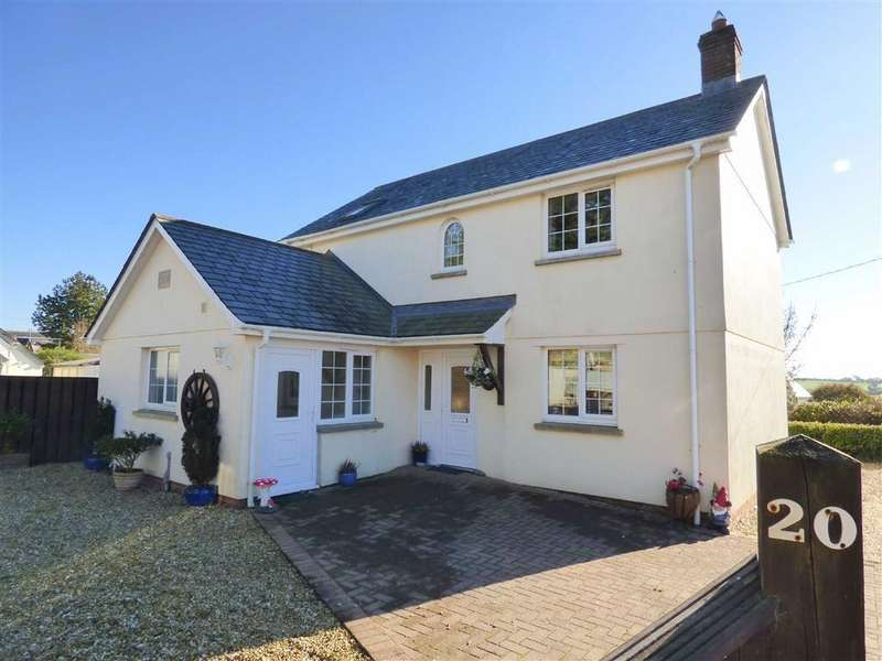 3 Bedrooms Detached House for sale in Fore Street, Langtree, Torrington, Devon, EX38