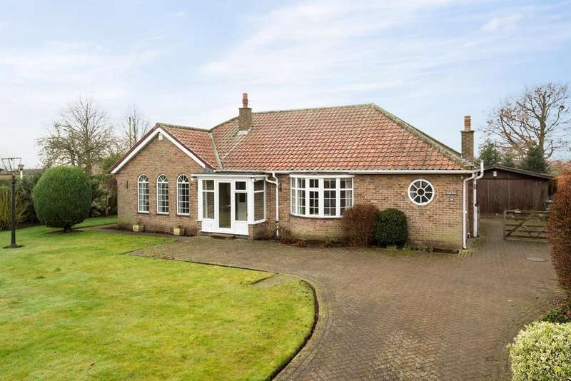 3 Bedrooms Bungalow for sale in Gateforth Lane, Hambleton