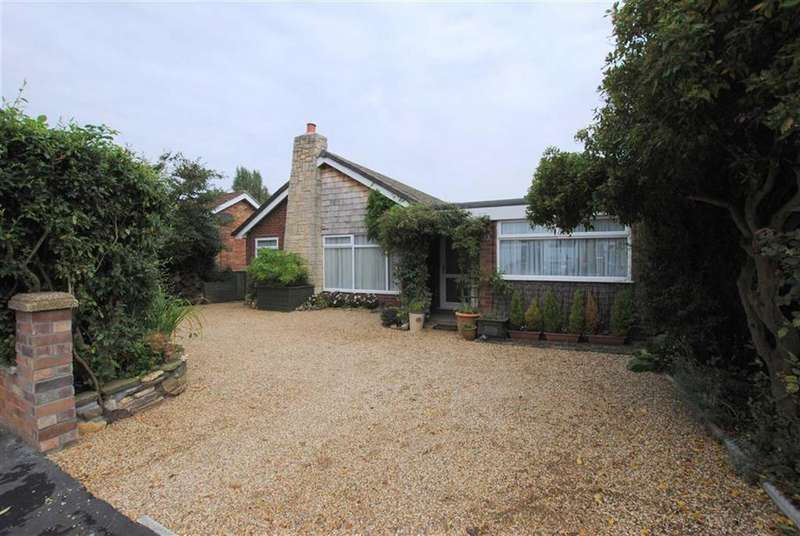 4 Bedrooms Detached Bungalow for sale in Radcliffe Road, Healing, North East Lincolnshire