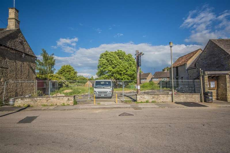Plot Commercial for sale in High Street, Stanion,