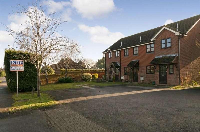 2 Bedrooms Terraced House for sale in Brookdene, Five Oak Green, Tonbridge