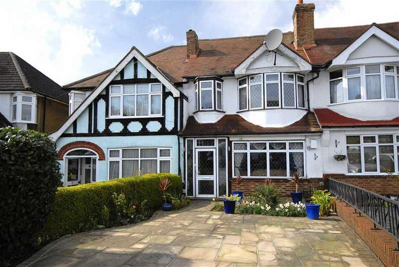 3 Bedrooms Terraced House for sale in Langley Way, West Wickham, Kent