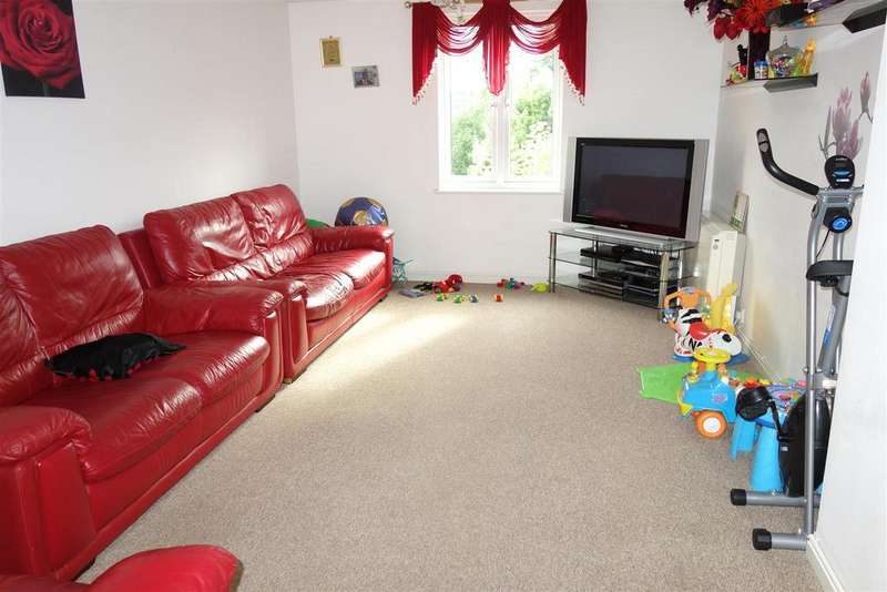 2 Bedrooms Flat for sale in Lloyd George Avenue, Cardiff