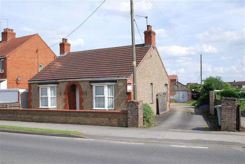 2 Bedrooms Detached Bungalow for sale in High Street, Coningsby