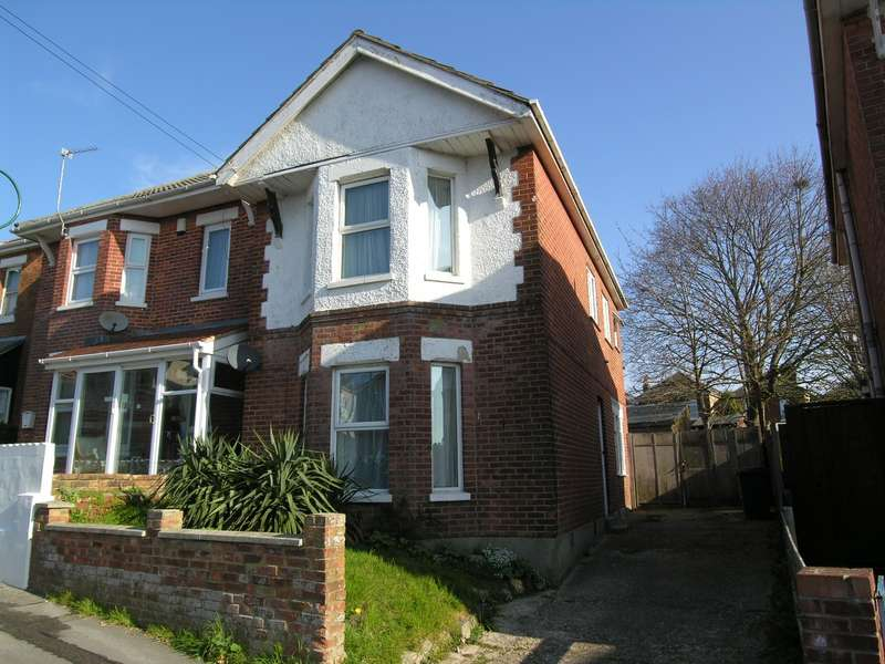4 Bedrooms House for rent in 4 bedroom Detached House in Charminster