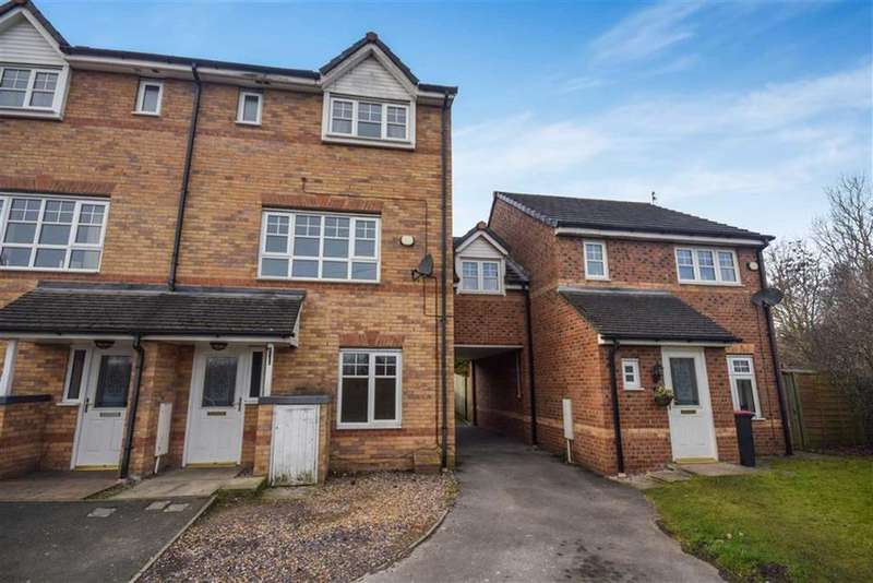 3 Bedrooms Town House for sale in Roving Bridge Rise, Swinton