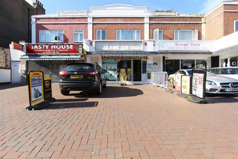 3 Bedrooms Flat for sale in High Street, Waltham Cross