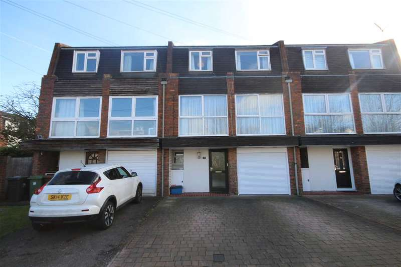 4 Bedrooms House for sale in Vernon Road, Bushey, WD23.