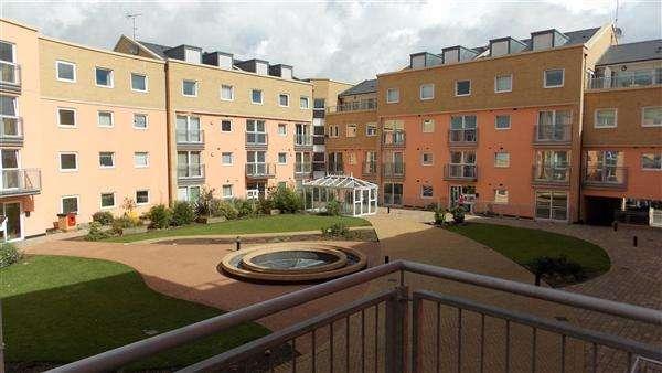 1 Bedroom Apartment Flat for sale in Wooldridge Close, Bedfont