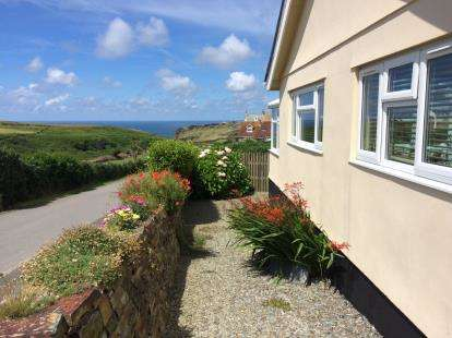 3 Bedrooms Bungalow for sale in Tintagel, Cornwall
