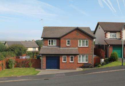4 Bedrooms Detached House for sale in Groudle View, Onchan, Isle of Man, IM3