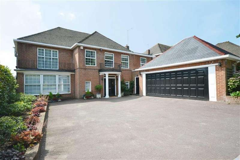 5 Bedrooms Detached House for sale in The Spinney, Hadley Common, Hertfordshire